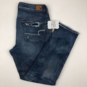 AEO American Eagle Tomgirl Distressed Jeans